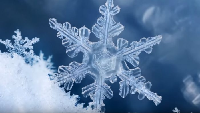 struktura-vody-snezhinka-sneg