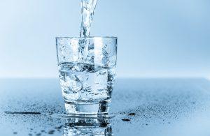 структурированная вода Ковалькова в стакане