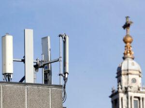 kak-vyglyadit-antenna-5g-v-londonskom-siti