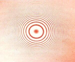 Интерференционная картина на оргстекле